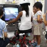 楽しく学んで、正しく乗ろう♪夏休み自転車交通安全教室 自転車シミュレーター