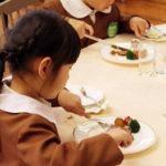 世界のVIPをもてなしたホテルで、つくばの園児がテーブルマナーデビュー
