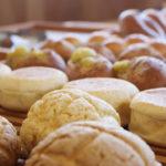 筑波山を望むほっと和むパン屋さん「国産小麦と天然酵母パン くすもとベーカリー」