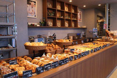 Café Boulangerie Takezonoの店内