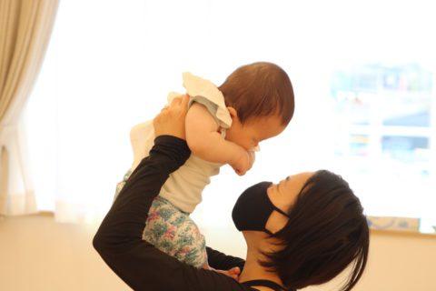 ママの温かい手で子どもたちの身体を触ってあげると何とも言えない幸福感に包まれます