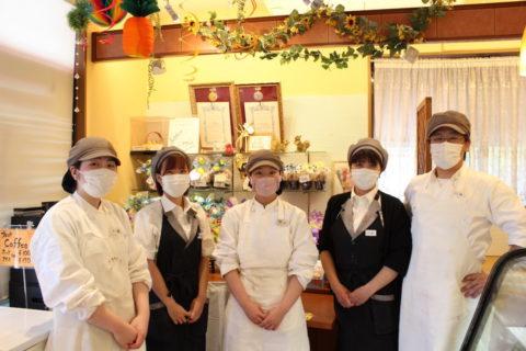 老若男女、さまざまなお客さんが訪れる、地元で愛されているお店